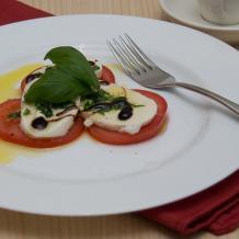 Как приготовить капрезе - самую быструю итальянскую закуску